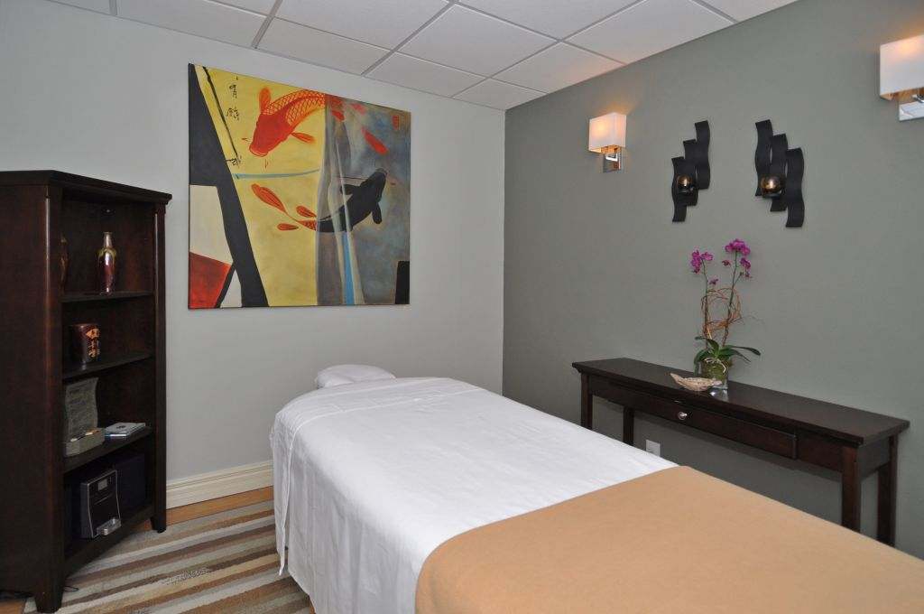 Chiropractic Massage Treatment Facility